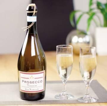 Prosecco mit Gläsern