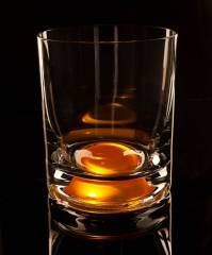Whiskyglas mit Licht