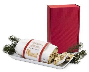 Christstollen im roten Geschenkkarten